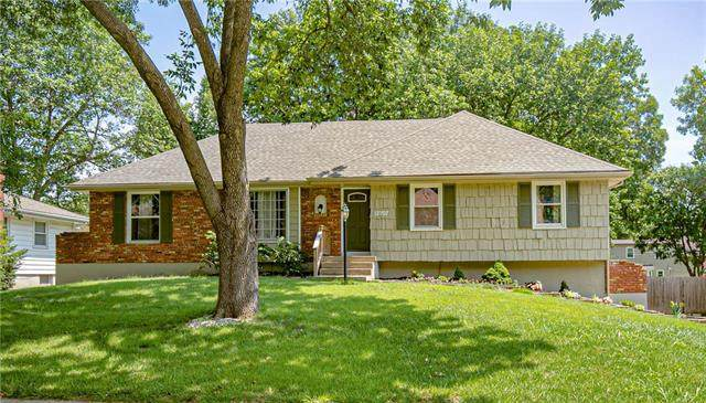 12707 Corrington Avenue, Grandview, MO 64030 (#2230492) :: Edie Waters Network