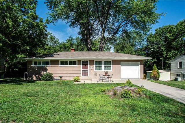 5308 Hunter Street, Raytown, MO 64133 (#2230582) :: Ron Henderson & Associates