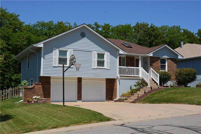 4101 NW Delwood Drive, Blue Springs, MO 64015 (#2230684) :: Beginnings KC Team