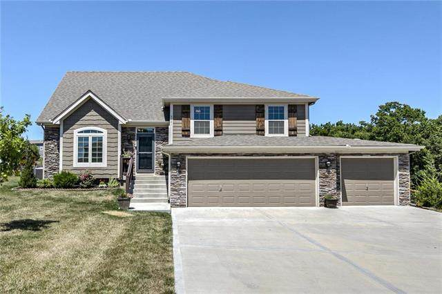 5621 NW Overland Drive, Kansas City, MO 64151 (#2230840) :: The Shannon Lyon Group - ReeceNichols