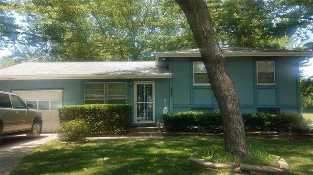 6320 N Agnes Circle, Gladstone, MO 64119 (#2230911) :: Ron Henderson & Associates