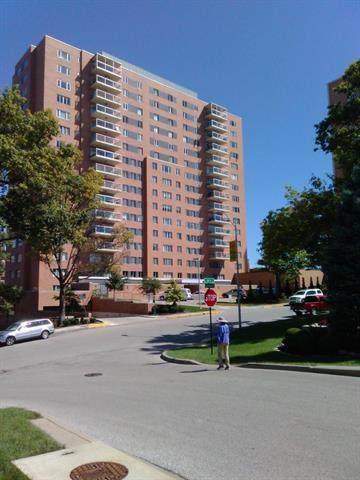 221 48TH Street - Photo 1