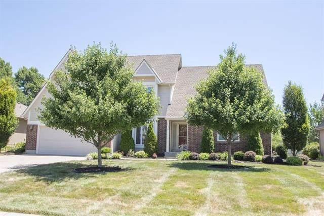 3809 SW Briarwood Drive, Lee's Summit, MO 64082 (#2231117) :: The Shannon Lyon Group - ReeceNichols