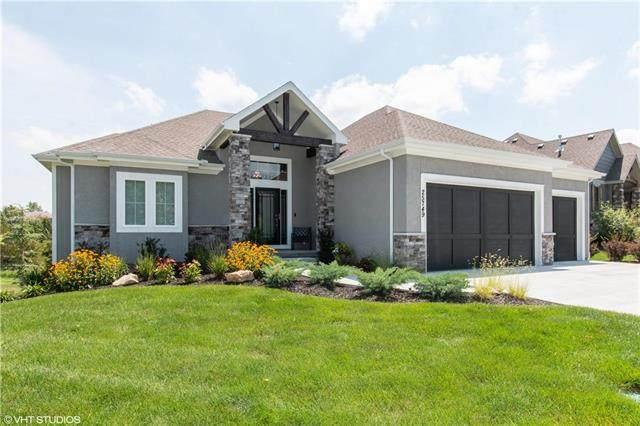 25749 W 96th Terrace, Lenexa, KS 66227 (#2231207) :: House of Couse Group
