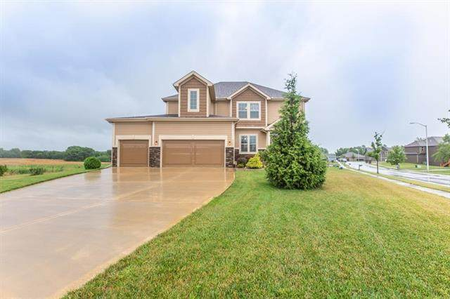 9401 N Belleview Avenue, Kansas City, MO 64155 (#2231219) :: Dani Beyer Real Estate