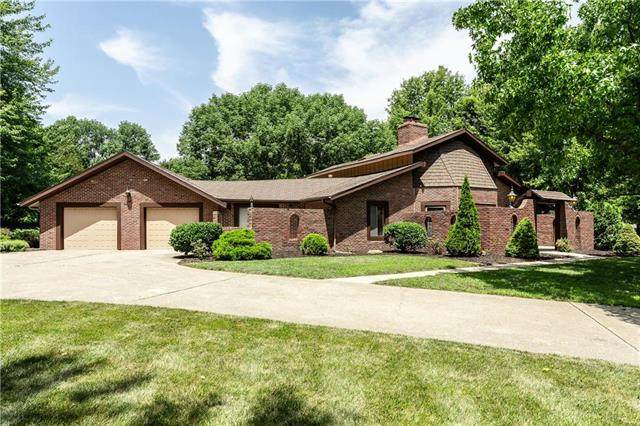 4350 NW Lobo Court, Lee's Summit, MO 64064 (#2231354) :: House of Couse Group