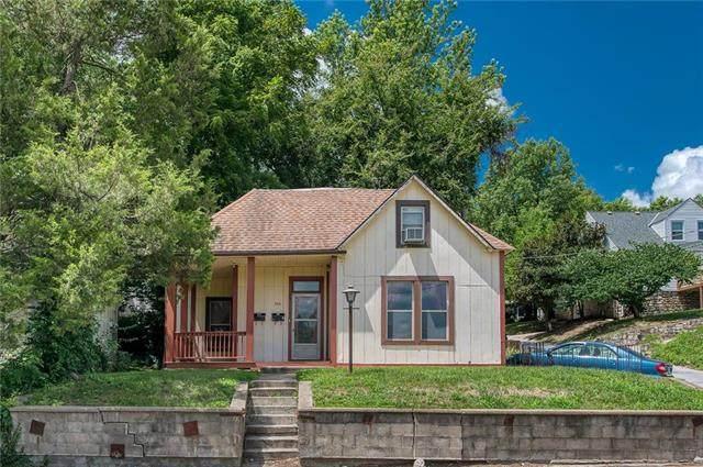 606 East Street, Parkville, MO 64152 (#2231720) :: Austin Home Team