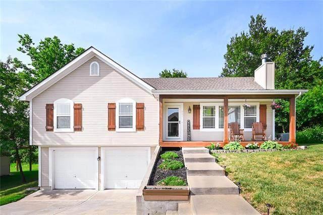 201 E Woodland Avenue, Lone Jack, MO 64070 (#2231764) :: House of Couse Group