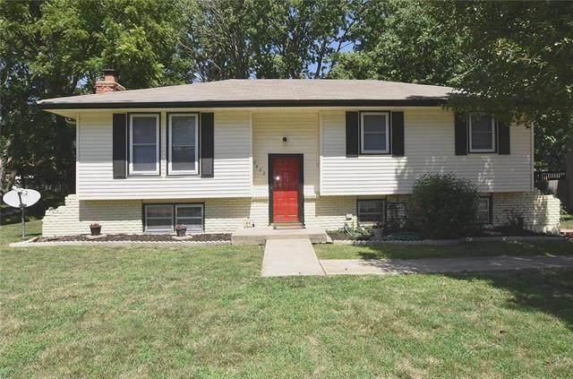 7422 NW 76th Place, Kansas City, MO 64152 (#2231781) :: Ron Henderson & Associates