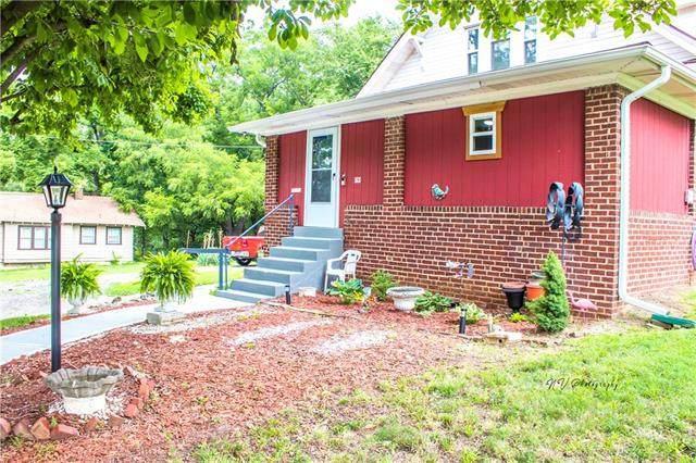 5631 Bales Avenue, Kansas City, MO 64130 (#2232040) :: House of Couse Group