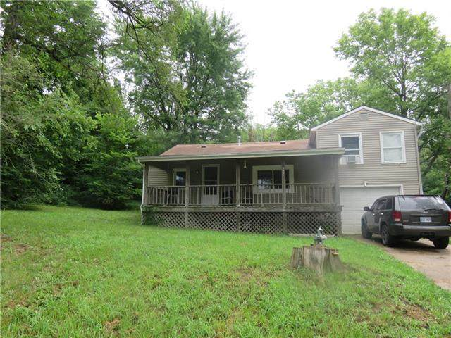 2621 Mckinley Avenue, Kansas City, MO 64129 (#2232080) :: Dani Beyer Real Estate