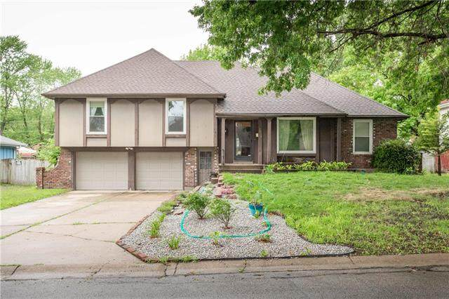 12818 Sycamore Street, Grandview, MO 64030 (#2232270) :: The Gunselman Team