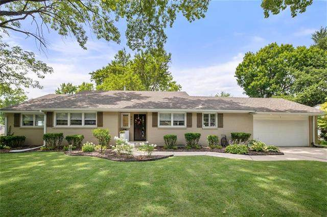 8410 Belinder Road, Leawood, KS 66206 (#2232326) :: House of Couse Group