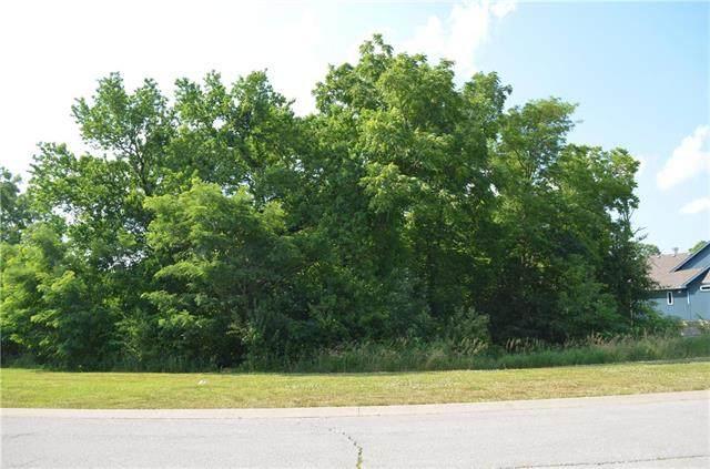 6854 N Norton Avenue, Gladstone, MO 64119 (#2232331) :: Five-Star Homes
