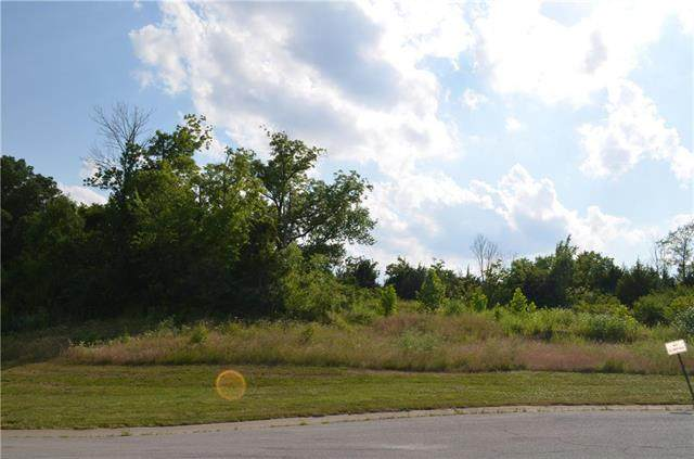 6924 N Myrtle Court, Gladstone, MO 64119 (#2232343) :: Five-Star Homes