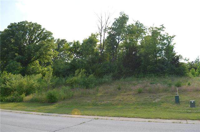 6918 N Myrtle Court, Gladstone, MO 64119 (#2232345) :: Five-Star Homes