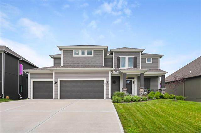 17196 S Schweiger Drive, Olathe, KS 66062 (#2232352) :: House of Couse Group