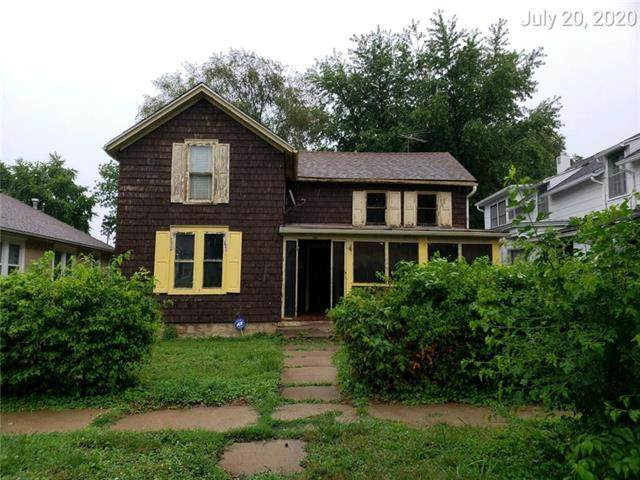 915 4th Avenue, Leavenworth, KS 66048 (#2232535) :: Jessup Homes Real Estate | RE/MAX Infinity
