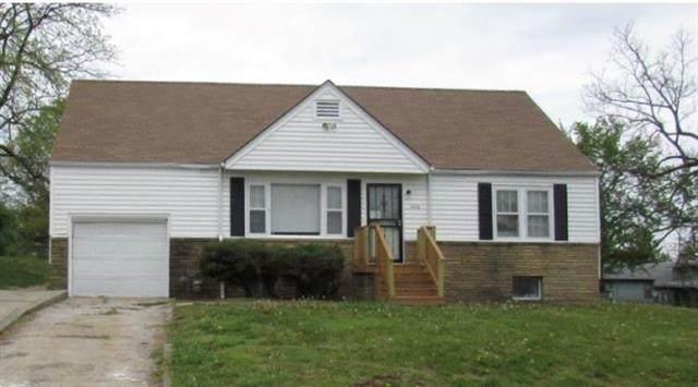 3836 E 60 Terrace, Kansas City, MO 64130 (#2232557) :: The Kedish Group at Keller Williams Realty