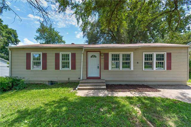 1023 N Swope Drive, Independence, MO 64056 (#2232583) :: Austin Home Team