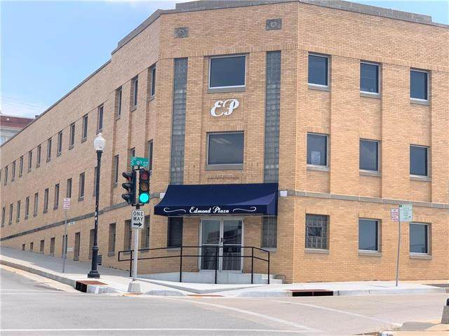 902 Edmond (F1) Street - Photo 1