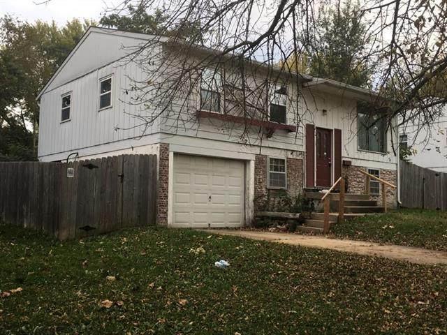 8629 E 96th Terrace, Kansas City, MO 64134 (#2232750) :: Ron Henderson & Associates