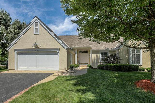 4604 W 113th Street, Leawood, KS 66211 (#2233191) :: House of Couse Group