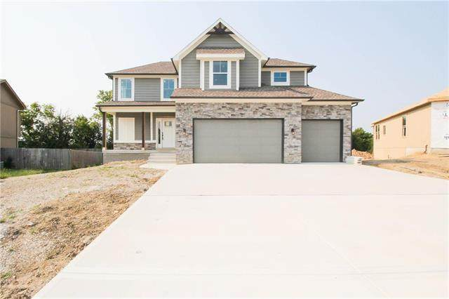 814 N Whispering Hills Drive, Lone Jack, MO 64070 (#2233330) :: Dani Beyer Real Estate
