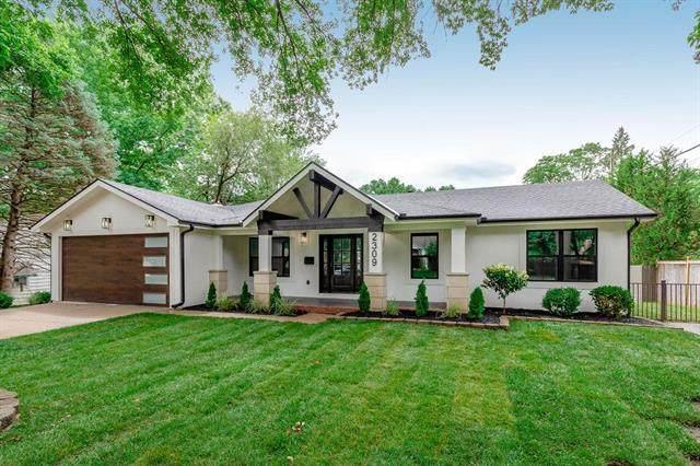 2309 W 73rd Street, Prairie Village, KS 66208 (#2233369) :: Austin Home Team