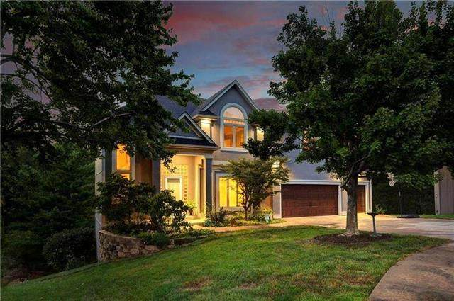 10822 King Street, Overland Park, KS 66210 (#2233382) :: Five-Star Homes