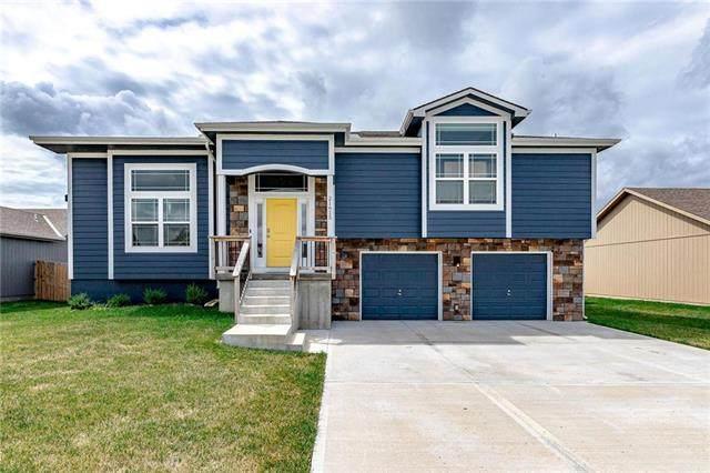 21615 Wilson Street, Spring Hill, KS 66083 (#2233521) :: Team Real Estate