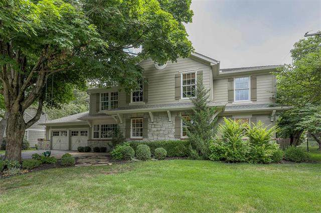 8407 Ensley Lane, Leawood, KS 66206 (#2233703) :: House of Couse Group