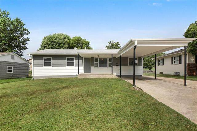 522 15th Street Terrace, Osawatomie, KS 66064 (#2233770) :: House of Couse Group