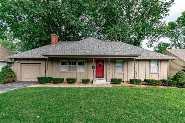 8817 Foster Lane, Overland Park, KS 66212 (#2233810) :: Austin Home Team