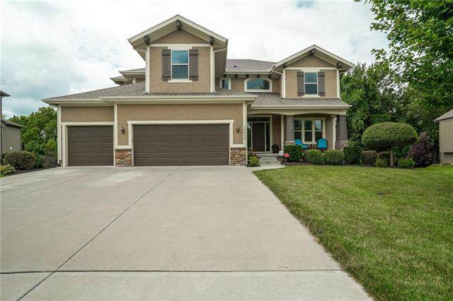 16610 S Marais Drive, Olathe, KS 66062 (#2233829) :: House of Couse Group