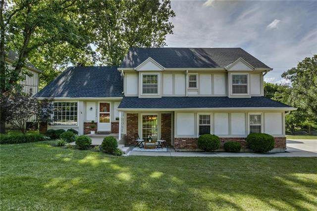 10020 Roe Avenue, Overland Park, KS 66207 (#2233938) :: Jessup Homes Real Estate | RE/MAX Infinity