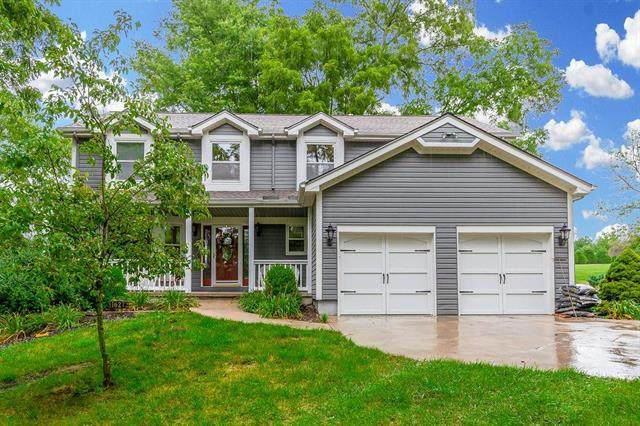 16272 150th Street, Bonner Springs, KS 66012 (#2234093) :: House of Couse Group