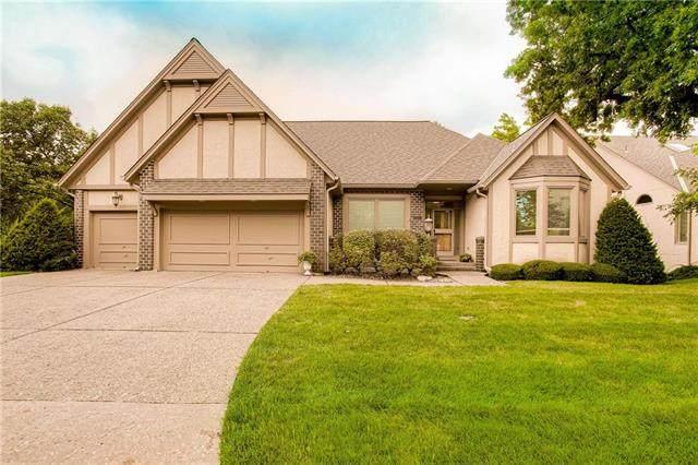 12528 Cedar Street, Leawood, KS 66209 (#2234148) :: Austin Home Team