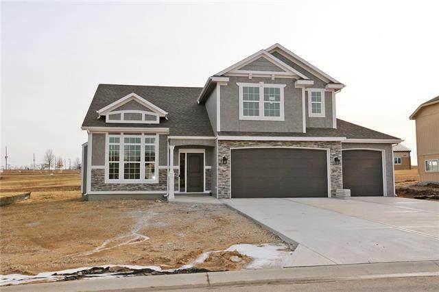 15601 Lakeside Drive, Basehor, KS 66007 (#2234219) :: Dani Beyer Real Estate