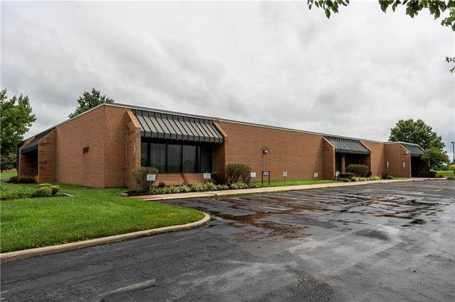 3717 S Whitney Avenue, Independence, MO 64055 (#2234378) :: House of Couse Group