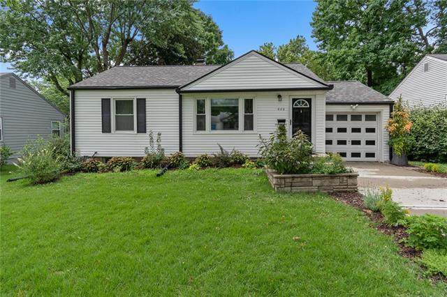 605 W 87 Street, Kansas City, MO 64114 (#2234403) :: House of Couse Group