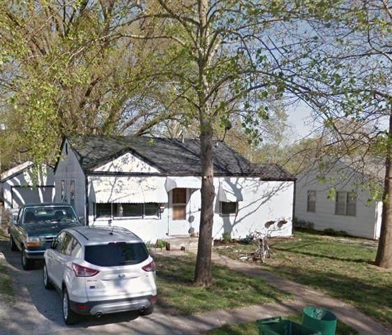 323 Cornell Avenue, Bonner Springs, KS 66012 (#2234487) :: Austin Home Team