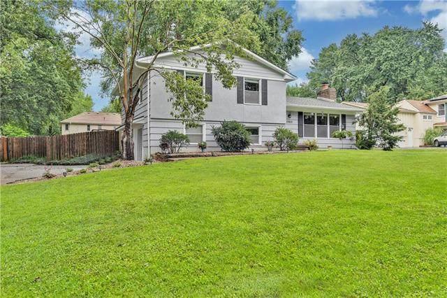 10612 W 48th Terrace, Shawnee, KS 66203 (#2234522) :: Austin Home Team