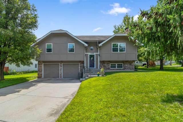 11238 Lowell Avenue, Overland Park, KS 66210 (#2234576) :: Ron Henderson & Associates