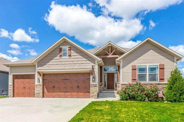12106 Astor Court, Peculiar, MO 64078 (#2234615) :: Austin Home Team