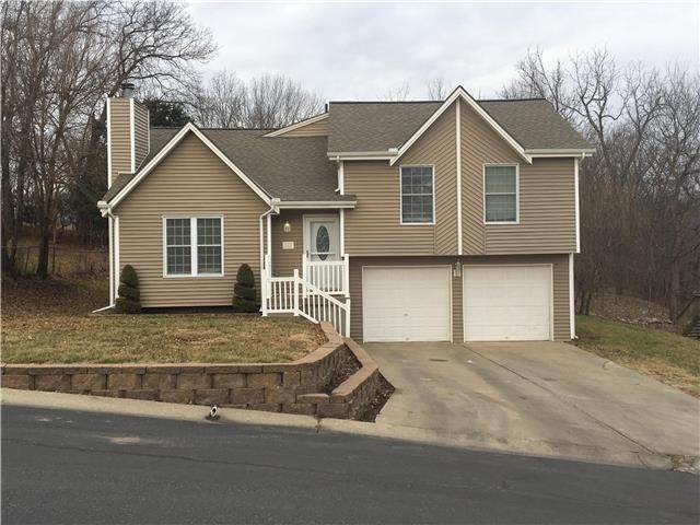 313 NW Leanne Lane, Blue Springs, MO 64015 (#2234768) :: Audra Heller and Associates