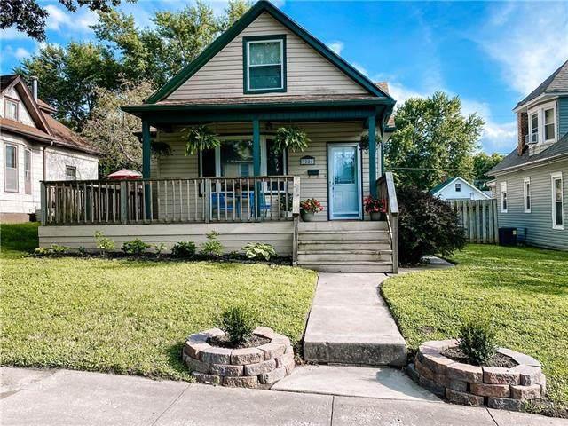 3224 Lafayette Street, St Joseph, MO 64507 (#2234779) :: Five-Star Homes