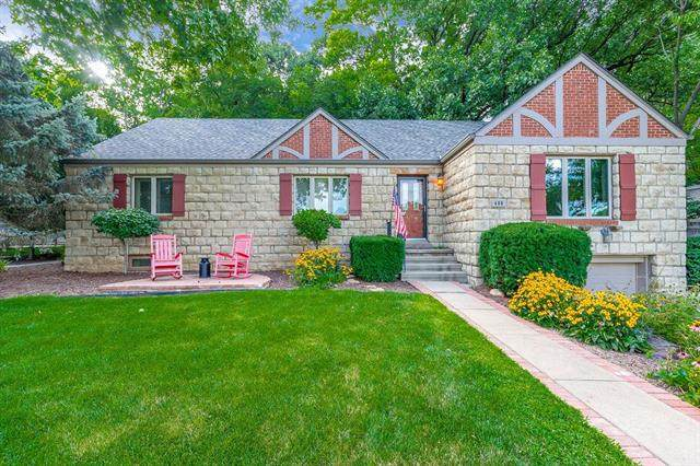 480 Lakeshore Drive, Lake Quivira, KS 66217 (#2234861) :: Ask Cathy Marketing Group, LLC
