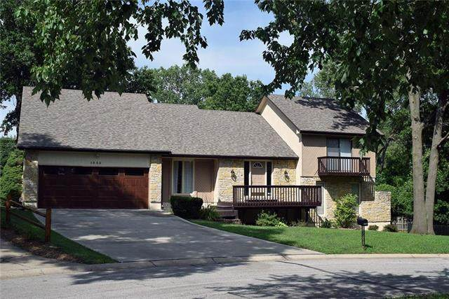 1003 SW Hickory Court, Blue Springs, MO 64015 (#2235002) :: The Gunselman Team