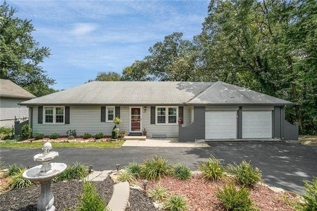 6415 NW Blair Road, Parkville, MO 64152 (#2235007) :: Audra Heller and Associates